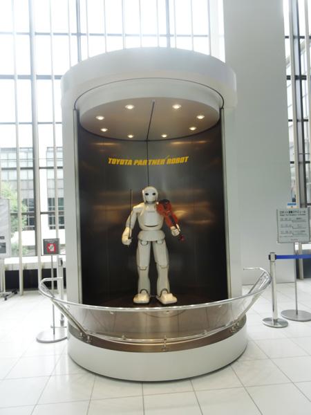 トヨタ記念館にいる未来のロボット