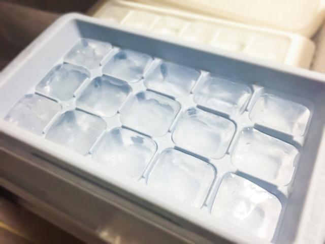 冷蔵庫製氷皿の氷